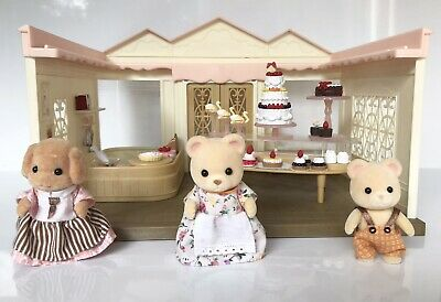 Sylvanian Families Village Cake Shop With Dressed Figures And Accessories • 4.99£