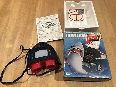 Tomytronic 3D Shark Attack - Electronic Handheld Game VINTAGE Boxed • 51£