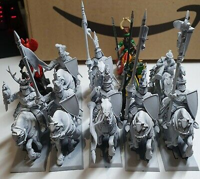 Bretonnian Knights Of Realm X 11 Plastic Mounted Warhammer Including Command • 39.99£
