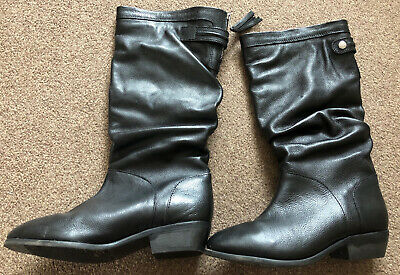 Black Knee High Boots- Size 5 • 16£