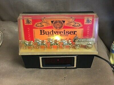 $ CDN102.78 • Buy Vintage Budweiser Clydesdale Digital Light Up Bar Clock Working  Light Burned