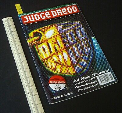 1992 1st Issue Judge Dredd The Megazine Volume 2 With Pin Badge Attached (C414) • 7.95£