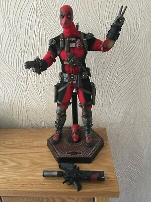 £150 • Buy Sideshow Collectibles Marvel 1/6 Scale Deadpool Figure