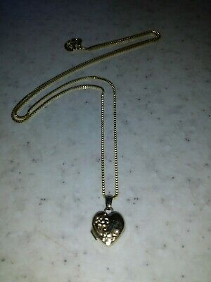 AU80 • Buy 9ct Yellow Gold Heart Locket & Display Chain/ Necklace ❤