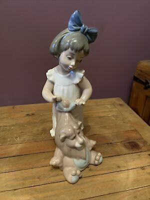 NAO/LLADRO, 'My Lovely Lion', Young Girl With Large Soft-toy Lion, • 22.51£
