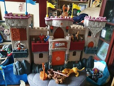 IMAGINEXT FISHER PRICE CASTLE With Knights And Accessories • 10£