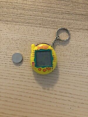 $ CDN49.24 • Buy Rare Vintage Tamagotchi Connection V3 Special Yellow Dots (Tested & Working)