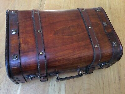 Old Style, Small Bound Suitcase/storage Box With Handle • 5£