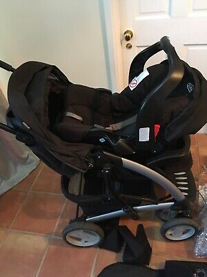Graco-Travel System- Stroller Carrier/Car Seat- Quattro Tour Deluxe • 70£