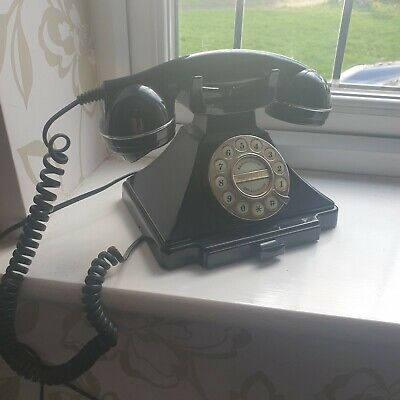 Retro 40s Style Black Reproduction Telephone In Good Working Condition. • 45£