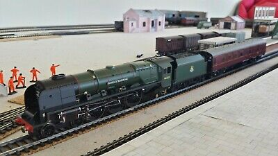 £179.99 • Buy Hornby R3221 Duchess Of Sutherland & Support Coach Pack