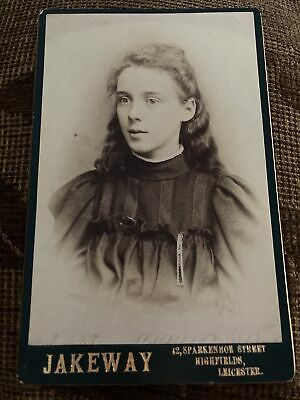 Victorian Cabinet Card Photo Young Girl, Long Hair - Jakeway, Leicester • 4.20£