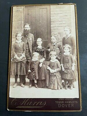 A Cabinet Photograph Of A Family With Six Children. Harris Of Dover. • 3£