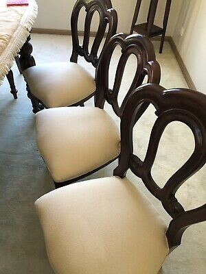 AU200 • Buy 8 Antique Vintage Designed Solid Wooden Dinning Chairs Excellent Condition
