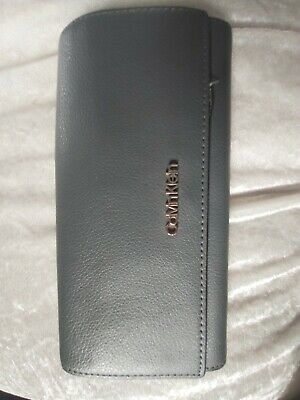 £4.99 • Buy Genuine Calvin Klein Purse....used
