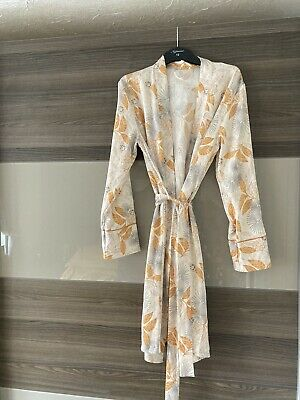 AU5.33 • Buy Ladies Dressing Gown Size 8