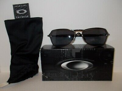 AU66.80 • Buy Preowned Mens Oakley 05-623 Felon Brushed Chrome Sunglasses Excellent Condition