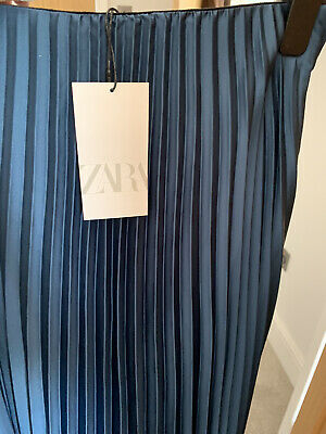 £15 • Buy Zara Pleated Satin Finish Skirt In Excellent Condition - UK Small