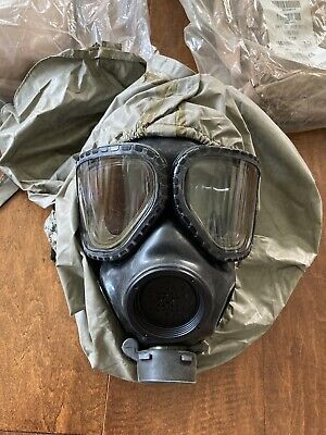 $120 • Buy US Military M40 Protective (Gas) Mask M/L