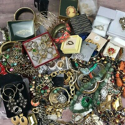 $ CDN12.58 • Buy Huge Jewelry Lot Vintage To Now NWT Earrings Rings Necklaces Brooches+++ 9lbs+