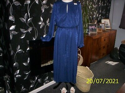 £10 • Buy New With Tags Dorothy Perkins Maxi Dress