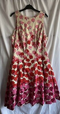 £5 • Buy Ladies Floral Beautifully Lined Dress, Side Pockets, Size 14 From TKMax