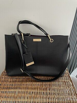 £15 • Buy Black Carvela Spacious Tote Hand Bag (used A Few Times - In Excellent Condition)
