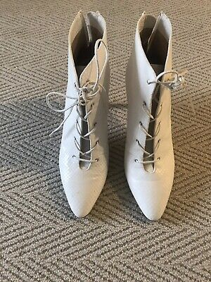 AU130 • Buy Scanlan Theodore White Textured Leather High Heels Shoes Ankle Boots Size 40 / 9