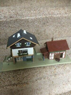 £9.99 • Buy HO 00 OO  MODEL RAILWAY Station With  Storage Shed 27cm Long