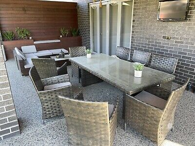 AU788 • Buy Out Door Setting Table And Couch
