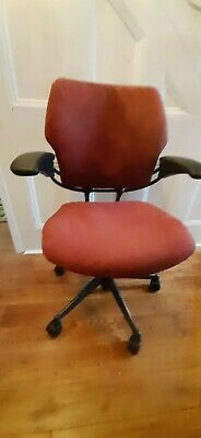£220 • Buy Humanscale Freedom Task Office Chair Newly Upholstered Italian Leather