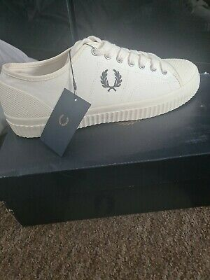 £20 • Buy Fred Perry Shoes Size 9