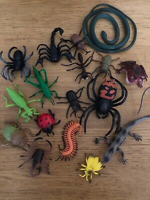 £4.86 • Buy 17 X Plastic Insects Bugs And Reptiles Kids Toys Bundle