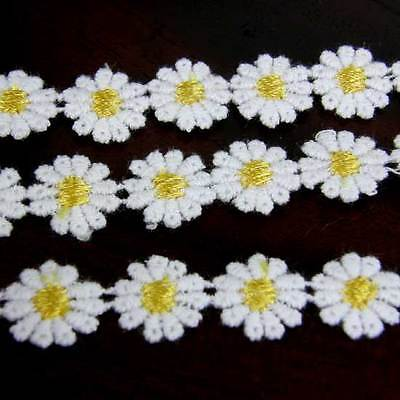 15 X LEMON CENTRED GUIPURE LACE DAISY MOTIFS Sew On Flower Applique  12mm LC15 • 1.85£
