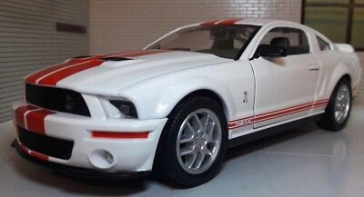 Ford Mustang 2007 White GT Coupe Shelby Cobra GT500 1:24 Scale Model Car 24208  • 25.85£
