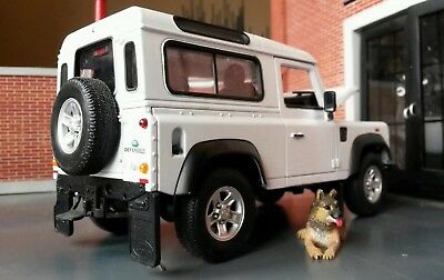 Model Land Rover Defender TD5/TDCI 90 Welly 1:24 Scale Diecast White Car 4x4 • 25£