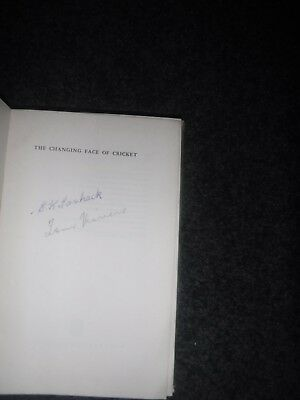 AU32 • Buy  cricket Book Signed By Ernie Toshack And Tom Veivers