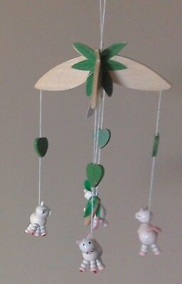 £7.99 • Buy Children's Bedroom/Nursery Ceiling Mobile, Wooden. 4 Pink Pigs And Turnip, Boxed