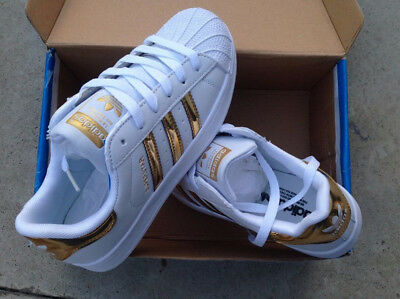 sports shoes e194a 720fc Scarpe Adidas Superstar 2019 Outfit Donna Uomo Oro Lucide Taglia 36 Al 44  2018 • 54.99