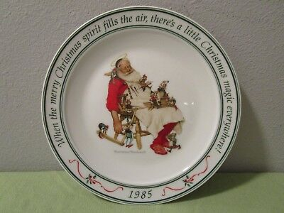 $ CDN9.32 • Buy 1985 Hallmark Norman Rockwell Christmas Santa & His Helpers Collector's Plate