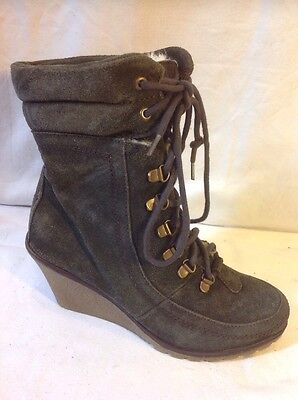 London Rebel Khaki Ankle Suede Boots Size 7 • 24£