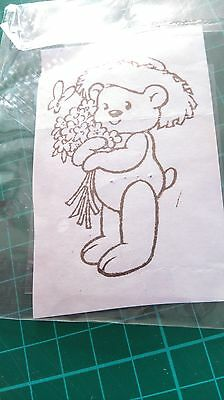 Clear Stamp- Teddy With Flowers • 2£
