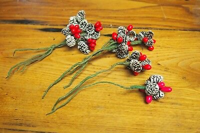 $ CDN12.58 • Buy Vintage Christmas Decorations – Pine Cones And Red Berries