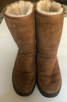 e1d48caf0cd ugg boots size 9