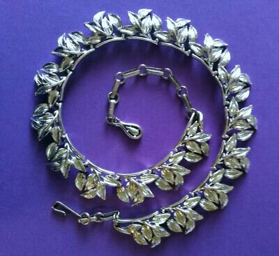 4d37b61e95d Vintage CORO Shiny Textured Silver Tone Leaves Statement Choker Runway  Necklace • 19.99$