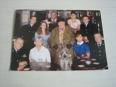 Original Cast Heartbeat Postcard - Signed RARE **FREE POST** • 40£