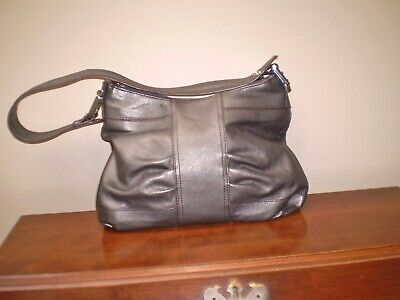 $ CDN50 • Buy Danier Mint Condition Shiny Gray Shoulder Bag 3 Compartments