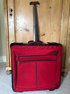 Victorinox Large Red Suitcarrier Suitcase Wheeled • 150£
