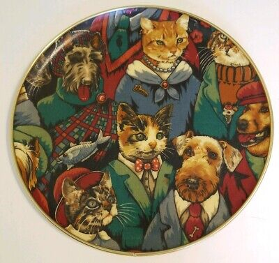 Keswick Tray 12  Round Cats & Dogs Dressed Up Gold Trim  • 17.87£