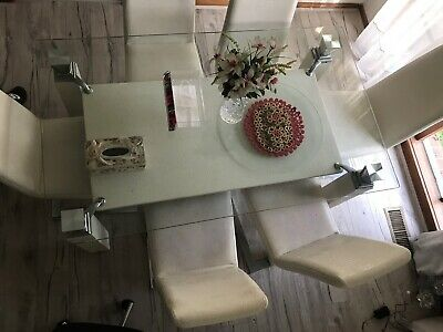 AU300 • Buy 6 Seater White Reptile Printed Dining table
